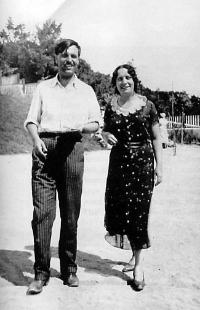 Ангел Каралийчев и Вела Ушева