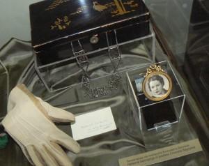 Лични вещи на Багряна, изложени в НИМ