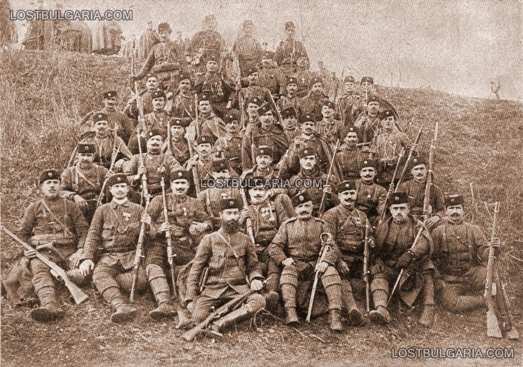 Четата на великия войвода Тодор Александров (най-вляво отпред), по време на Първата световна война