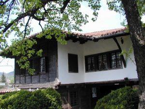 Родната му къща в град Елена