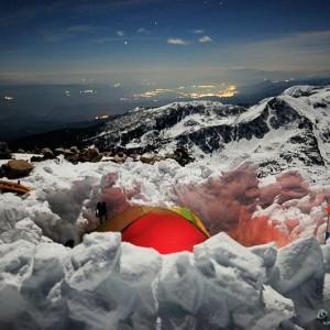Палатката се превръща в дом дори на връх Полежан