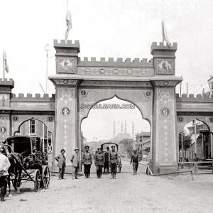 Триумфалната арка в Одрин, издигната в чест на влизането на българските войски в града; снимка: Lostbulgaria.com