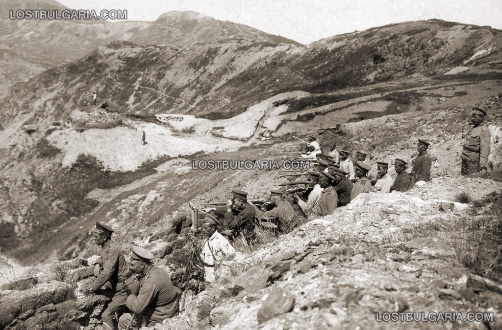 Пехотинци на позиция в планината Беласица, Южния фронт, 1918 г.