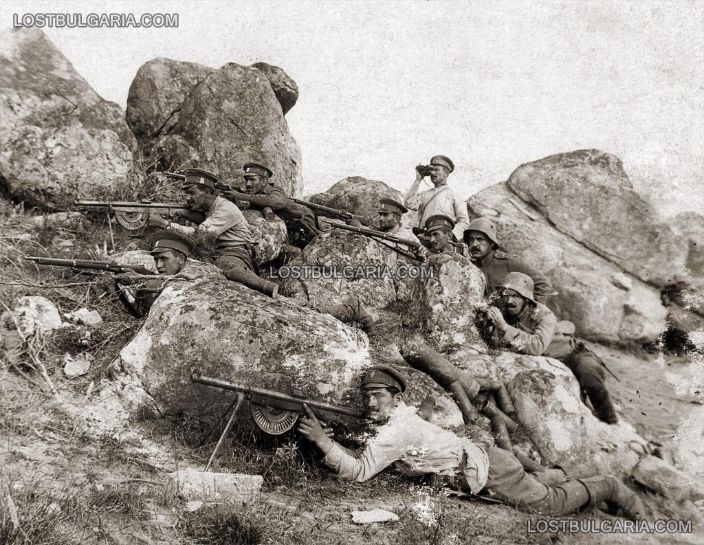 5-та рота от 83-ти пехотен полк на Кота 204 от позицията на 20-ти пехотен полк, с трофейни френски картечници Шоша (Chauchat), Южния фронт