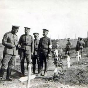 Ген. Владимир Вазов на военните гробища край Дойран