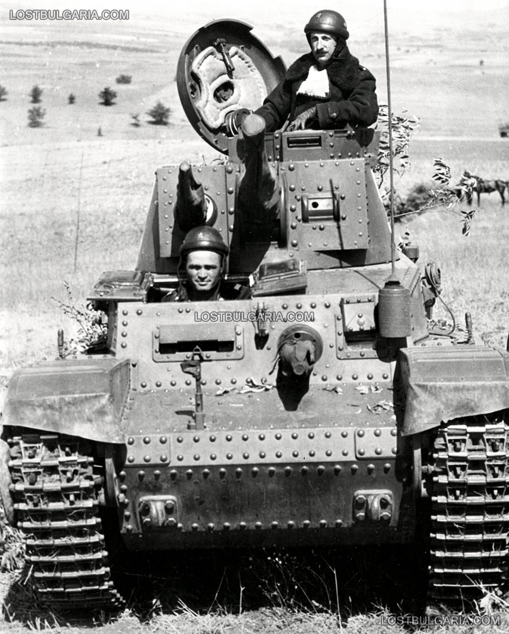 Н.В.Цар Борис III в танк Шкода, Skoda LT Vz. 35 - Pz.Kpfw 35(t), вероятно по време на маневрите през 1941 г.