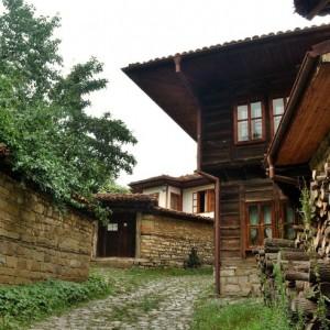 село Ичера снимката е взета от: www.mirela.bg