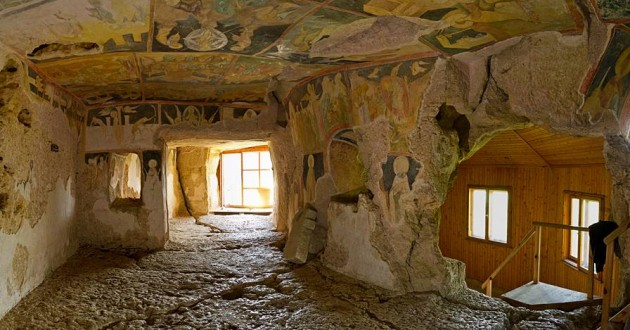 Ивановски скален манастир; www.bulgariatravel.org