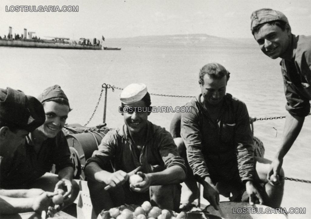 Ежедневна работа на борда на торпеден катер, лятото на 1943 г.