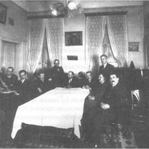 Ръководителите на Деветоюнския преврат в дома на Иван Русев (по-късна възстановка).