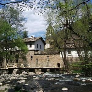 Дряновски манастир снимката е взета от: www.nasamnatam.com