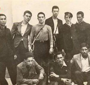 Група цигани - сред които и Господин Колев