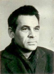 Георги Божинов е български писател и журналист, известен със своите исторически книги, документални разкази и пътеписи.