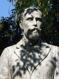 Паметник на Александър Теодоров-Балан